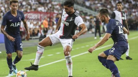 Emre Can (M) spielt in Italien für Juventus Turin. Foto: Danial Hakim/AP