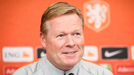 Sieht keine besondere Brisanz im Spiel gegen Deutschland: Ronald Koeman, Trainer der Niederlande. Foto:Christian Charisius