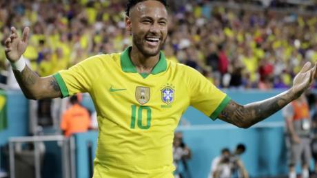 Feierte ein gelungenens Comeback in der Nationalmannschaft: Neymar. Foto: Lynne Sladky/AP