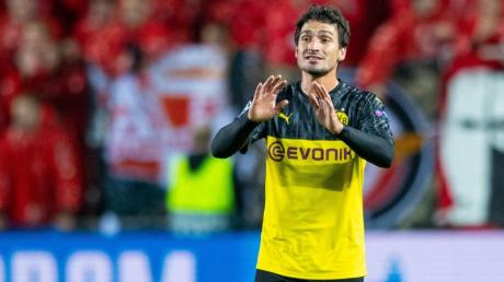 Für Borussia Dortmund geht es um das Achtelfinale der Champions League. Wir erklären, wie Sie das Spiel BVB - Slavia Prag live im TV und Stream sehen.