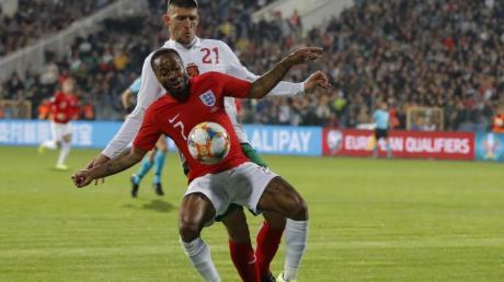 Beim Spiel der Engländer in Sofia kam es in der ersten Halbzeit zu rassistischen Äußerungen bulgarischer Fans. Foto: Vadim Ghirda/AP/dpa