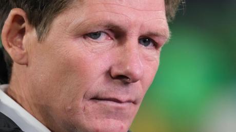VfL-Coach Oliver Glasner wünscht sich gegen Genk ein Erfolgserlebnis. Foto: Peter Steffen/dpa