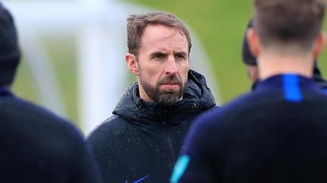 Englands Trainer Gareth Southgate blickt nach vorn: Ein Punkt fehlt nur noch für das EM-Ticket. Foto: Mike Egerton/PA Wire/dpa