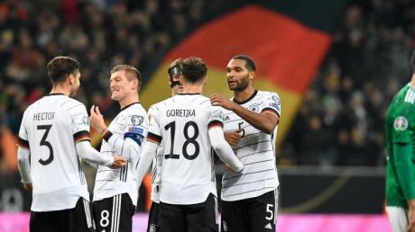 Mit dem Kantersieg gegen Nordirland festigte das DFB-Team Platz eins. Foto: Tom Weller/dpa