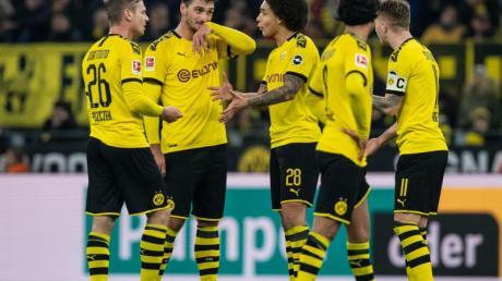 Borussia Dortmund konnte nur eines der letzten sieben Pflichtspiele in der Fremde gewinnen.