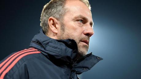 Wechselte in Belgrad fleißig durch: Bayern-Coach Hansi Flick.