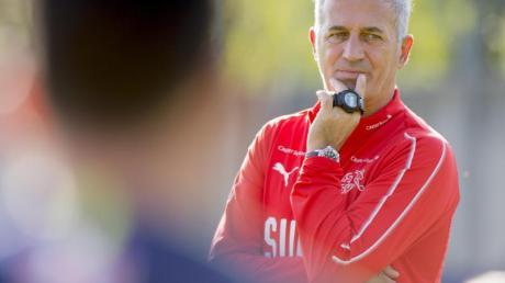 Hat bei der EM 2020 mit seiner Mannschaft lange Reisen vor sich: Der Schweizer Trainer Vladimir Petkovic.