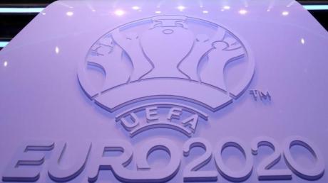 Fußball-EM 2020: Gruppen & Spielplan - inklusive PDF zum Ausdrucken. Fußball-Europameisterschaft in Deutschland und Europa.