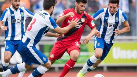 Einen namhaften Gegner hat Bayer Leverkusen in der Euopa League gezogen: Der portugiesische Top-Club FCPorto wartet in der Zwischenrunde.