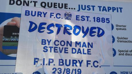 Der Drittligist FC Bury wurde von der englischen Fußball-Liga EFL ausgeschlossen.