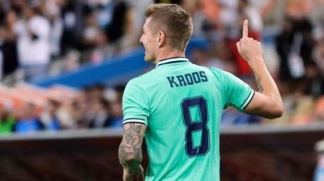 Toni Kroos brachte Real mit einem direkt verwandelten Eckstoß in Führung.