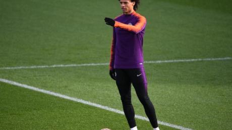 Hat bei Manchester City wieder das Training mit dem Ball aufgenommen: Leroy Sané.