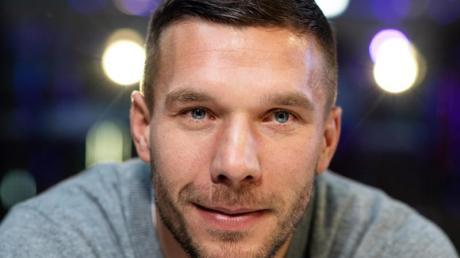 Lukas Podolski soll mit einem türkischen Club verhandeln.