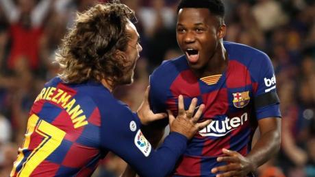 Debütierte schon mit 16 in Spaniens La Liga: Barcas Ansu Fati (r).