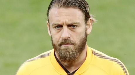 Sieht mit langem Haar und Schminke älter aus: Daniele De Rossi.