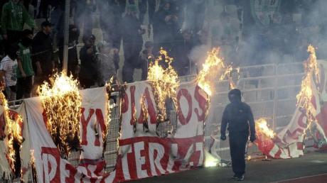 Im griechischen Fußball gibt es seit Jahren immer wieder Streitigkeiten und Ausschreitungen.