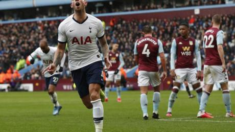 Tottenhams Toby Alderweireldfreut sich über das erste Tor seiner Mannschaft.