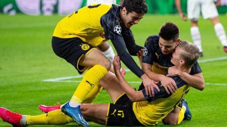 Mit zwei Treffern war Erling Haaland (r) der Matchwinner beim Dortmunder Sieg gegen PSG.