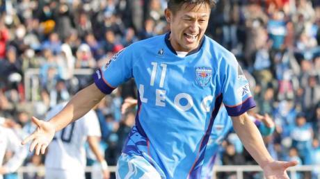 Der 52-jährige Kazuyoshi Miura spielt für Yokohama FC in der J-League.