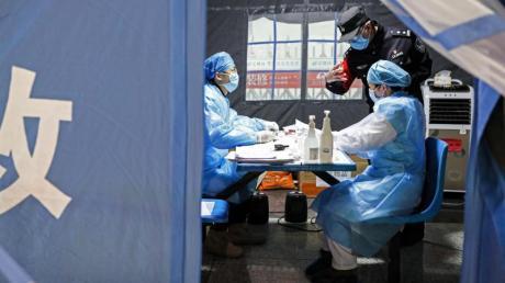 Der Ausbruchs der Lungenkrankheit hält China in Atem.