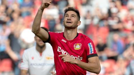 Leverkusener Hoffnungsträger: Lucas Alario bejubelt.