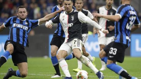 Das Serie-A-Topspiel Juve gegen Inter findet am 13. Mai statt.