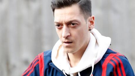 Ist zur großen Überraschung vieler Fans und Follower Vater einer kleinen Tochter geworden: Mesut Özil.