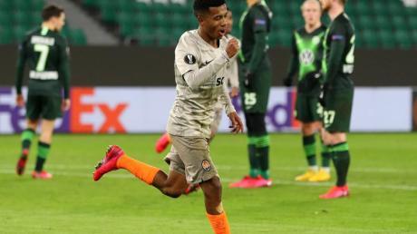 Donezks Marcos Antonio machte die Wolfsburger Heimpleite perfekt.