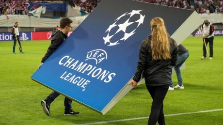 Die UEFA verschiebt die Endspiele der Europacup-Wettbewerbe.