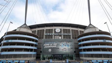 Manchester City will seine Mitarbeiter für verschobene Spiele bezahlen.