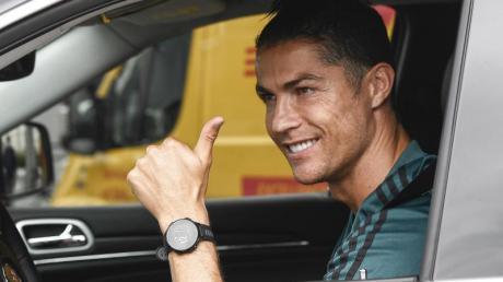 Cristiano Ronaldo beim Verlassen des Sportzentrums von Juventus Turin.