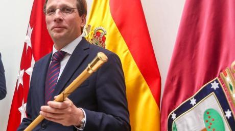 Will das geplante Miniturnier der Fußball-Champions-League nach Madrid holen: Bürgermeister José Luis Martínez-Almeida.