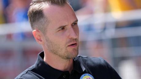 Bildet sich in England fort: Trainer Christian Flüthmann.