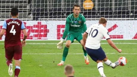 Tottenham Hotspur spielt in der Premiere League heute am 12.7.20 gegen den FC Arsenal. Hier gibt es die Infos zur Übertragung im TV und Stream.