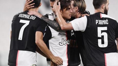 Spieler von Juventus jubeln über einen Treffer.