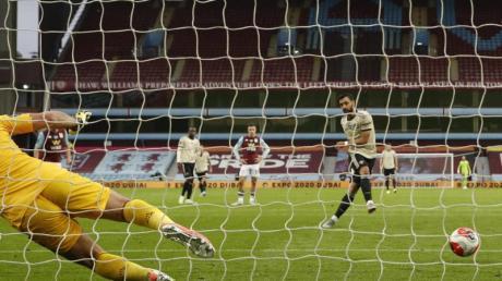 Manchester Uniteds Bruno Fernandes traf per Elfmeter gegen Aston Villa.