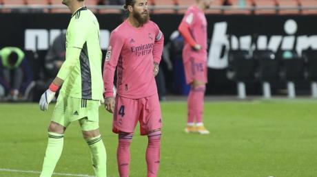 Die spanische Sportpresse zeigte kaum Mitleid mit Real Madrid nach der 1:4-Niederlage.