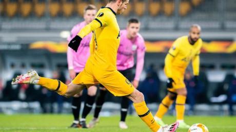 Tottenhams Gareth Bale erzielt das Tor zum 1:1.