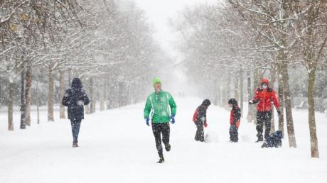 Schnee im Retiro-Park in Madrid. Das Sturmtief «Filomena» sorgt im Sonnenland Spanien für Rekordkälte, viel Schnee und einiges Chaos.