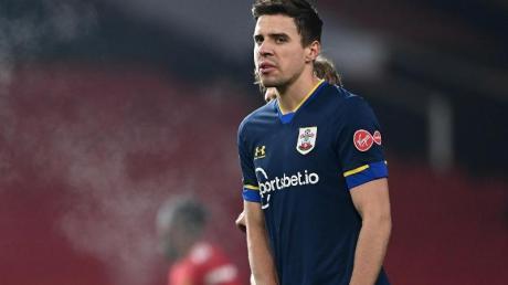 Die Rote Karte aus dem Spiel gegen Manchester United wurde annulliert: Jan Bednarek vom FC Southampton.