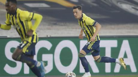 Fenerbahce Istanbul unterlag Göztepe Izmir mit 0:1 (0:1).