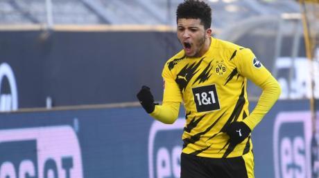 Dortmunds Jadon Sancho jubelt über ein Tor.