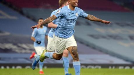 Gabriel Jesus von Manchester City jubelt über sein Tor zum 2:1 gegen Wolverhampton.