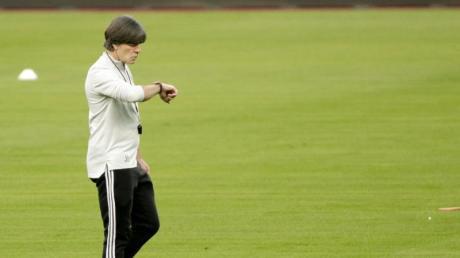 Bereitet das DFB-Team das letzte Mal auf ein großes Turnier vor:Bundestrainer Joachim Löw.