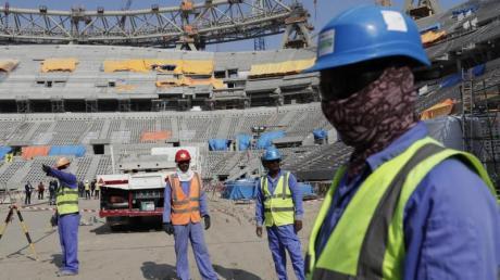 WM-Gastgeber Katar steht auch wegen der Arbeitsbedingungen der Bauarbeiter in der Kritik.