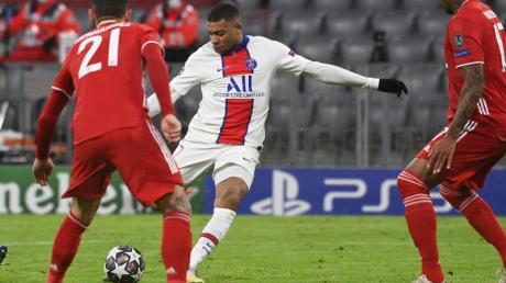 Im Hinspiel gegen Bayern kaum zu stoppen: PSG-Star Kylian Mbappé (2.vr).