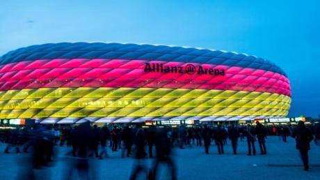 München kann im Kampf um seine EM-Partien aufatmen. Drei Gruppenspiele und ein Viertelfinale finden in der Allianz Arena statt.