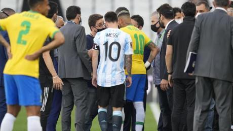 Das WM-Qualifikationsspiel zwischen Brasilien und Argentinien war abgebrochen worden.