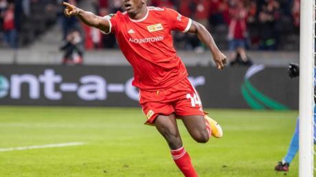 Wurde in Nigerias Nationalteam berufen: Taiwo Awoniyi von Union Berlin jubelt nach einem Treffer.