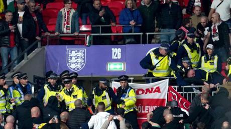 Ungarische Fans fielen in London erneut unangenehm auf.